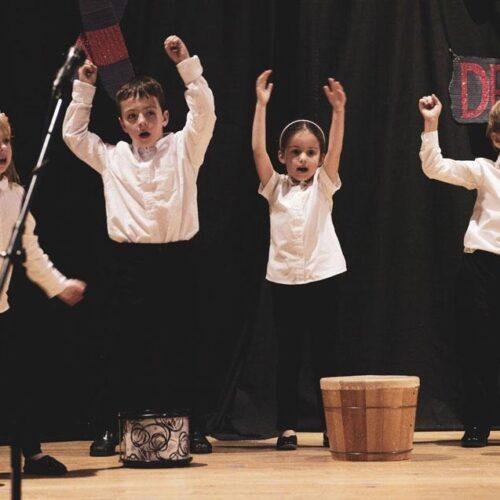 Music | HudsonWay Immersion School